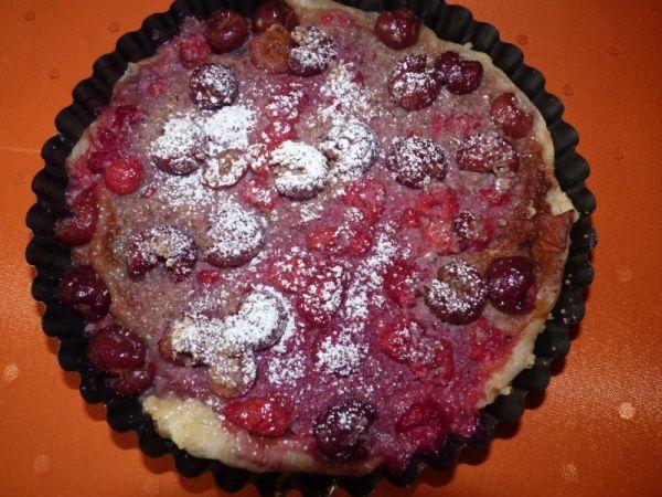 Višňový koláč s malinami |