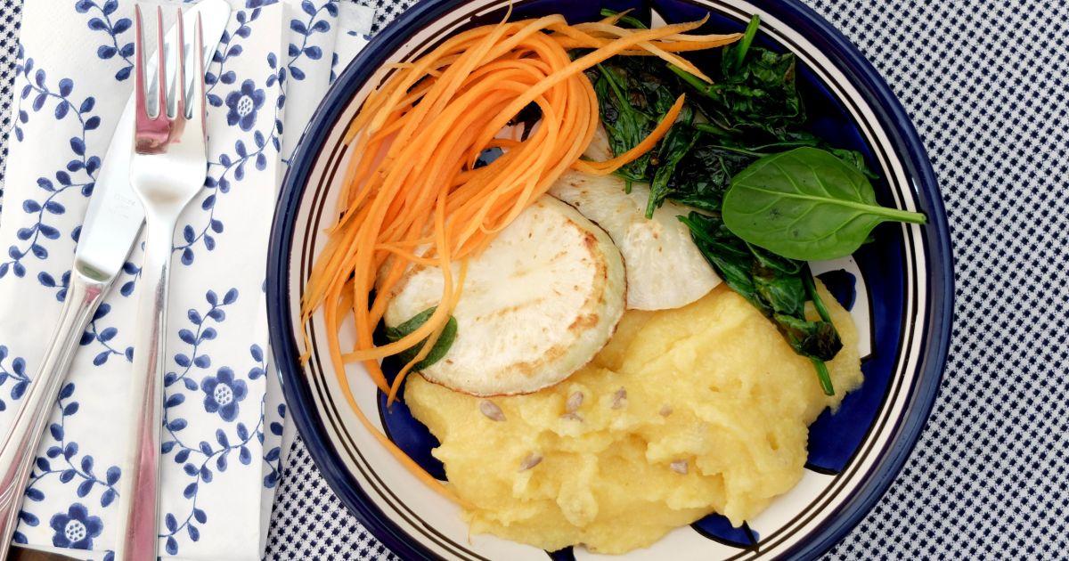 Rýchly vegan obed  grilovaný zeler a polentová kaša, fotogaléria 1 ...