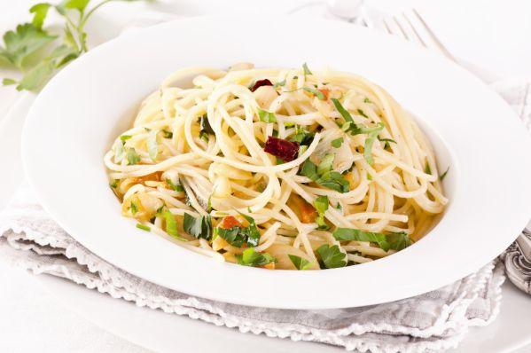Špagety s cesnakom a olivovým olejom |
