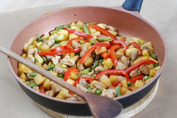 Dusené bravčové so zemiakmi |
