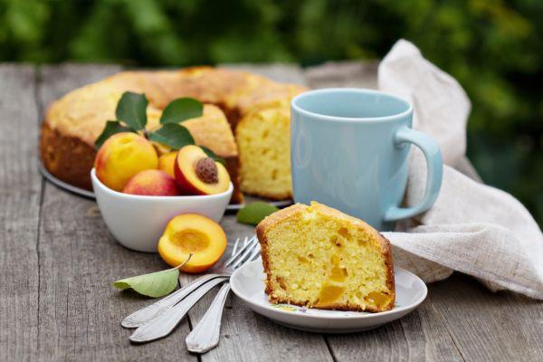Šťavnatý koláč s broskyňami |
