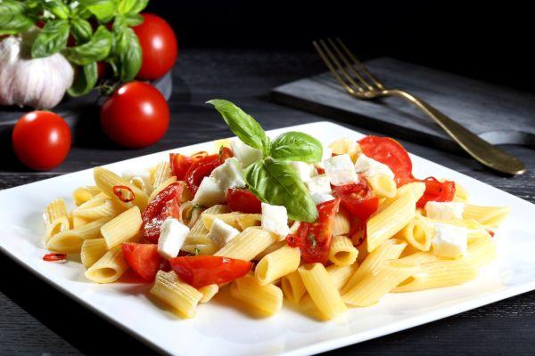 Cestoviny so sherry paradajkami a mozzarellou |