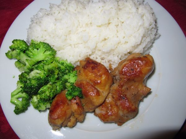 Kuracie maso plnene hubamy s brokolicou a ryzou |