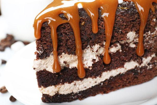 Čokoládová torta s karamelovým krémom |