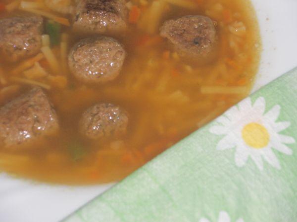 Sýta knedlíčková polievka  