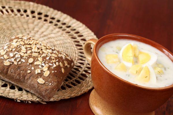 Kyslá zemiaková polievka s vajcom |