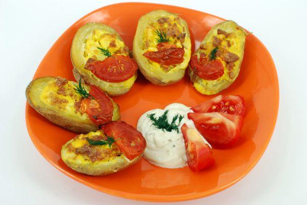 Pečené zemiaky plnené feta syrom |