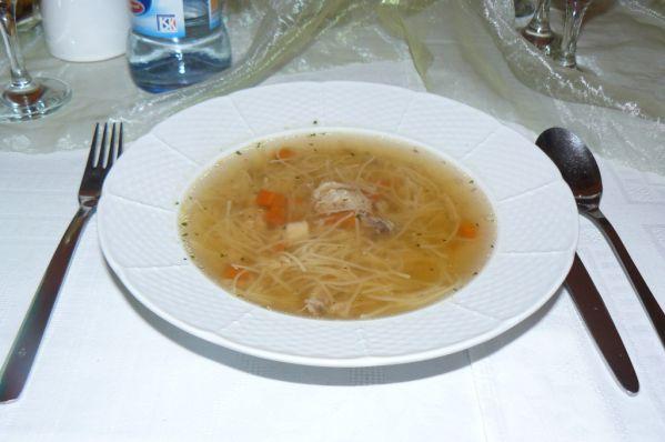 Hovädzia polievka s rezancami |