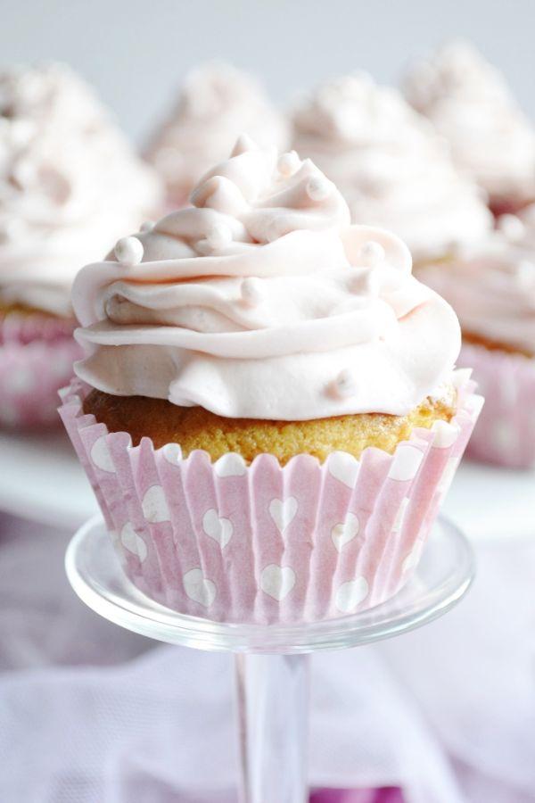 Vanilkovo-citronové muffiny s jahodovým a bananovým ...