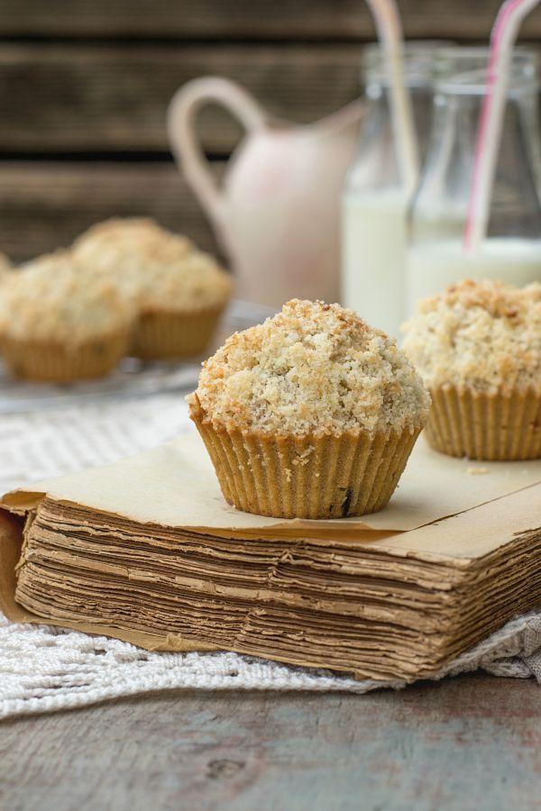 Chrumkavé muffiny s kyslou smotanou a čokoládou |