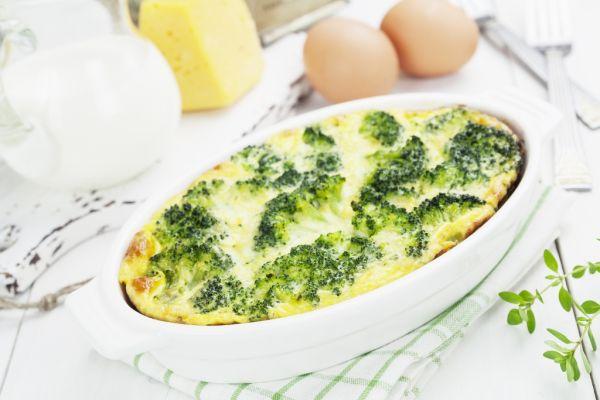 Zapečená brokolica so syrom a smotanou |