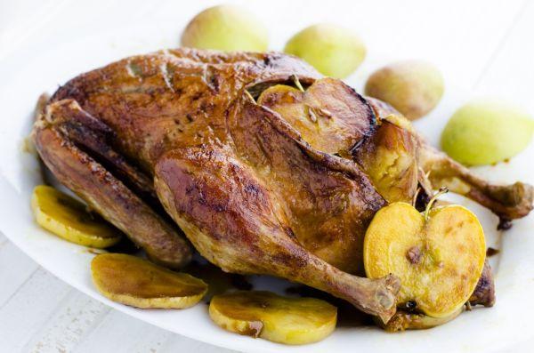 Pečená kačica plnená jalbkami |