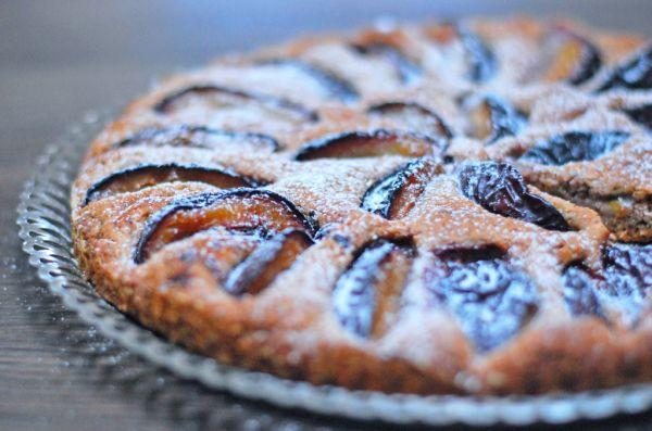 Špaldovo-orechový koláč so slivkami  