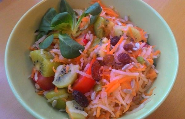 Zeleninový šalát s kiwi |