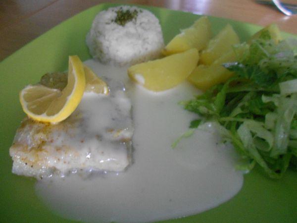 Filé na syrovej omáčke so zemiakmi |