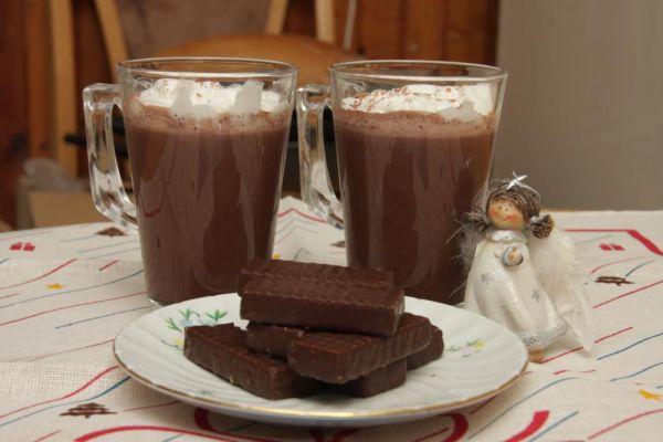 Horúci kakaový nápoj |