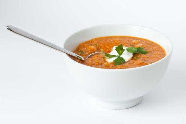 Šošovicová polievka s jogurtom |