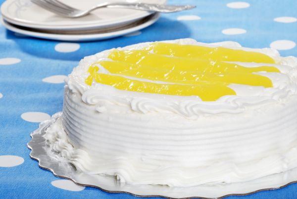 Citrónová torta so šľahačkou |