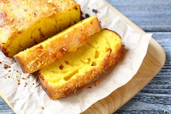 Svieži koláč s citrónovou polevou |