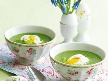 Špenátová polévka se zastřeným vejcem  Recepty na každý den