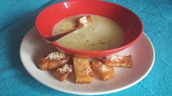 Cesnaková polievka |