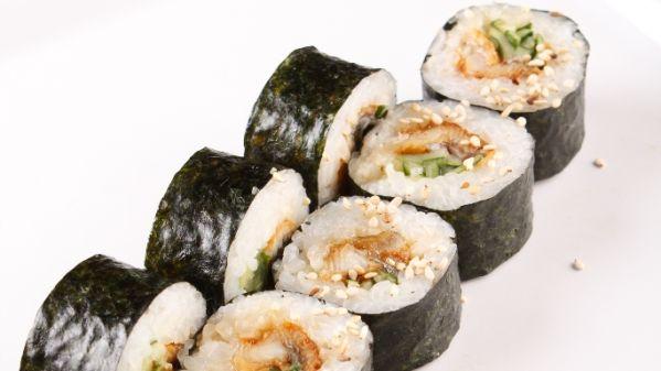 Sushi s údeným lososom |