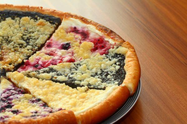 Makovo-tvarohový koláč s ovocím |