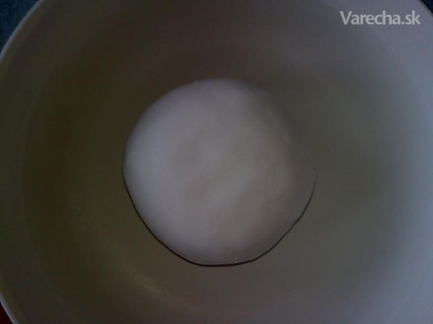 Postup na výrobu poťahovej hmoty z cukríkov (fotorecept) recepty ... 2b0b633176b