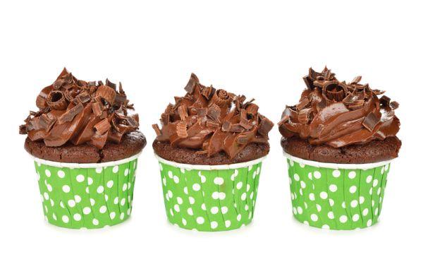 Čokoládové cupcakes s vínovým krémom |