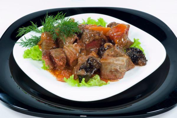 Zajačie mäso so šípkovou omáčkou |