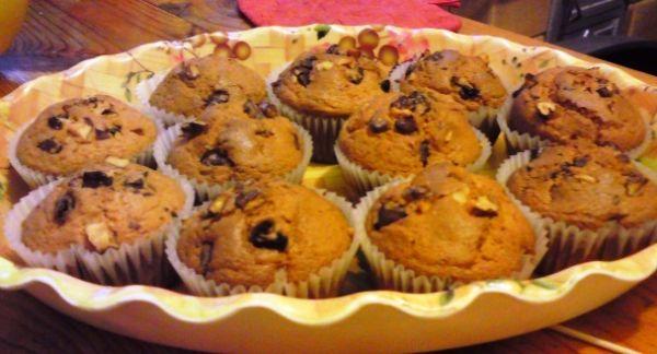 Silvestrovské pečivo: Vláčne muffiny s kúskami čokolády ...