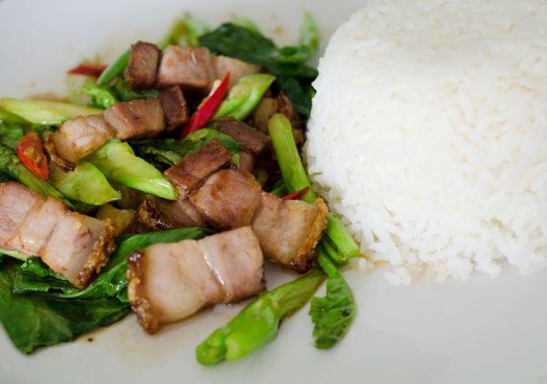 Bravčové mäso dusené v keli |