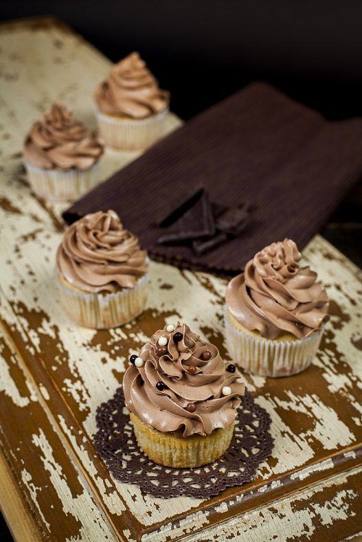 Vanilkové bezgluténové cupcakes s čokoládovým krémom ...