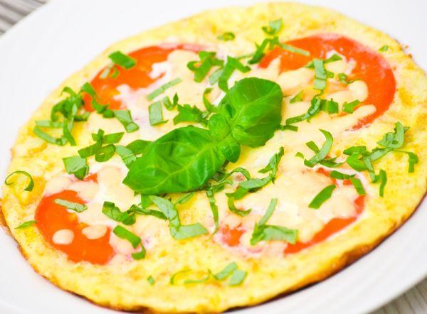 Omeleta s bylinkami a kozím syrom |