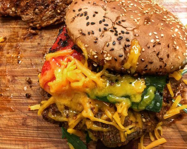 Videorecept: Pikantný mexický flank burger  