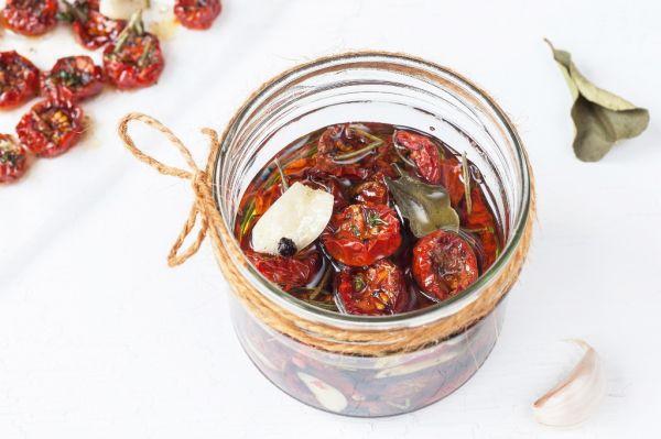 Polosušené paradajky |