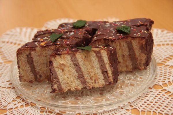 Metrový koláč z BeBe keksov |