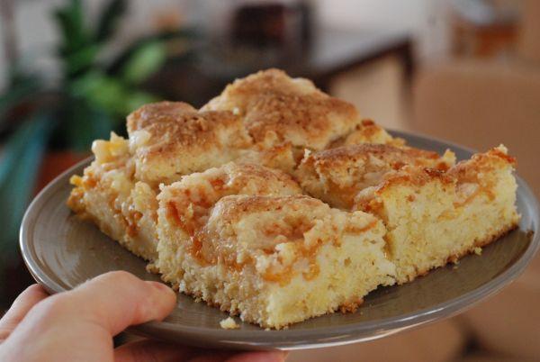 Marhuľový hrnčekový koláč s krupicou |