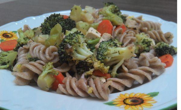 Fitness cestoviny s tofu a brokolicou |
