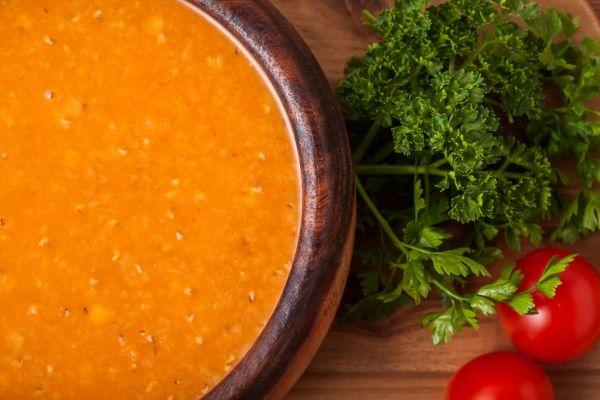 Šošovicová polievka s paradajkami |