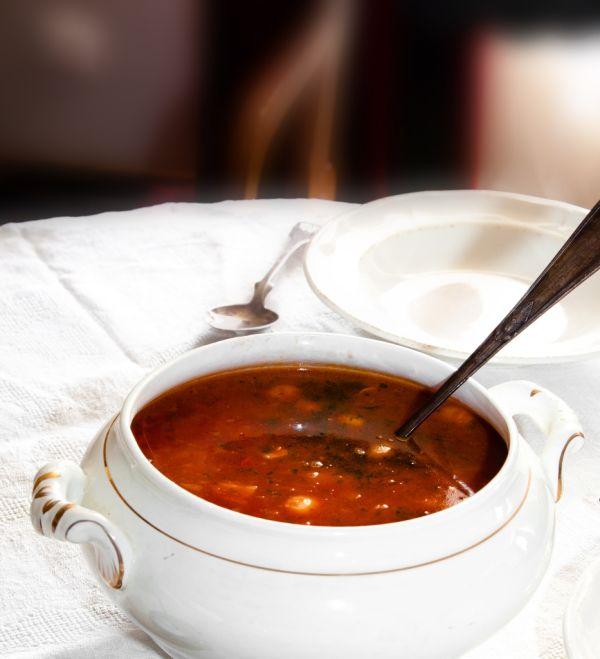 Gulášová polievka so zemiakmi |