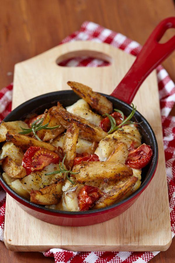 Zapečená ryba so zemiakmi a paradajkami |