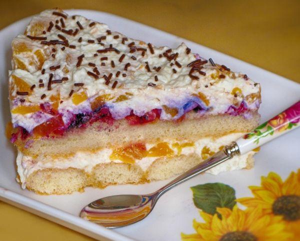 Smotanovo-ovocná nepečená torta |