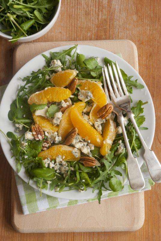 Šalát s orechami a pomarančom |
