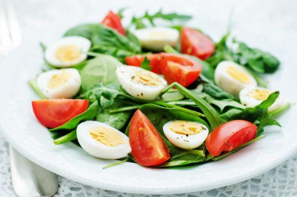 Špenátový šalát s vajcami |