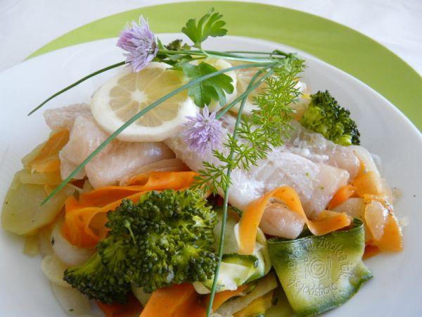 Ryba so zeleninou na pare |