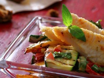 Ryba Pangasius na grilu s pečenou zeleninou  Recepty na každý den