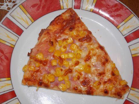Broskyňová pizza  