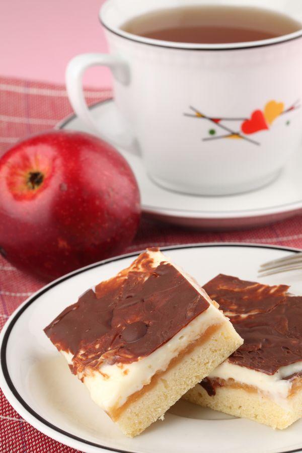 Jablkový koláč so smotanou |