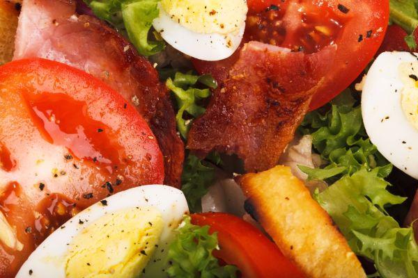 Zeleninový šalát so slaninou  